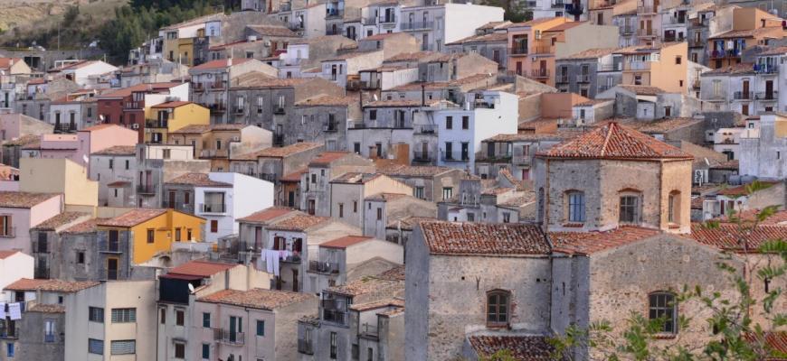 Итальянские деревни упростили покупку домов за €1