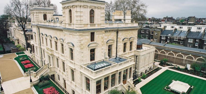 Названы самые дорогие британские особняки российских миллиардеров