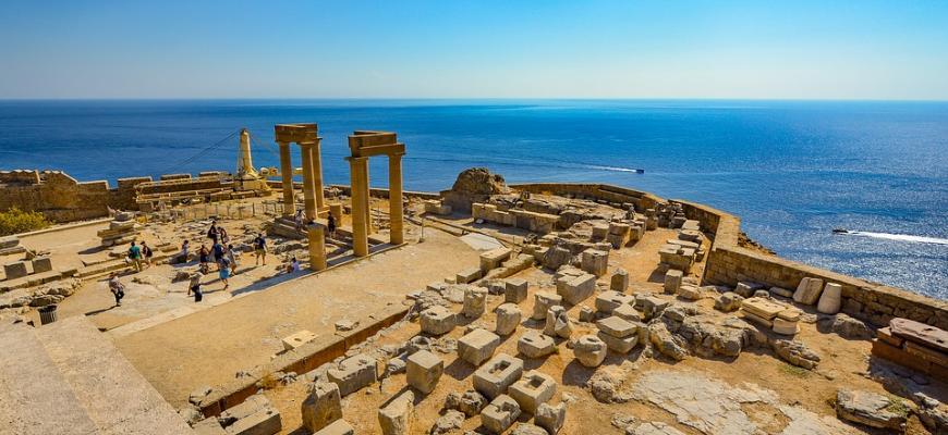 Греция хочет легализовать частные владения в исторических районах