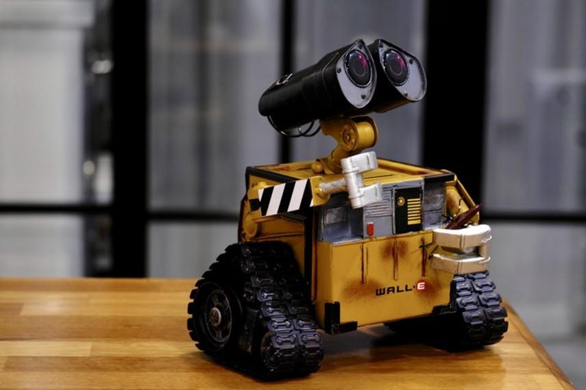 Робот научился сортировать мусор на ощупь (Видео)