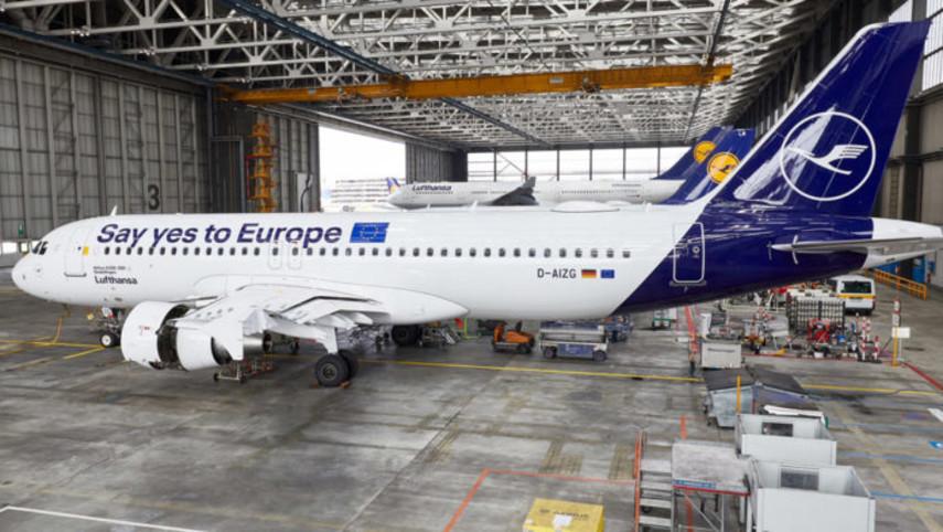 Lufthansa перекрасила самолет, чтобы европейцы пошли на выборы