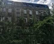 В Киеве мошенник «построил» на чердаке многоэтажки 8 квартир и хотел их продать