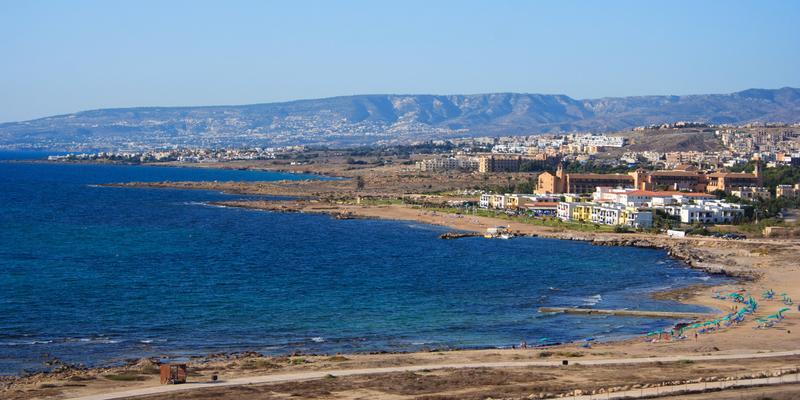 Иностранцы спешат получить кипрские паспорта за инвестиции