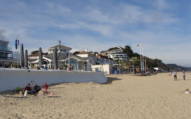 Названы прибрежные города Великобритании с самыми «горячими» ценами на жильё