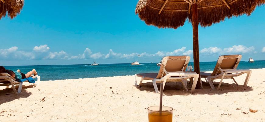Названа пятёрка стран с самым недорогим курортным жильём