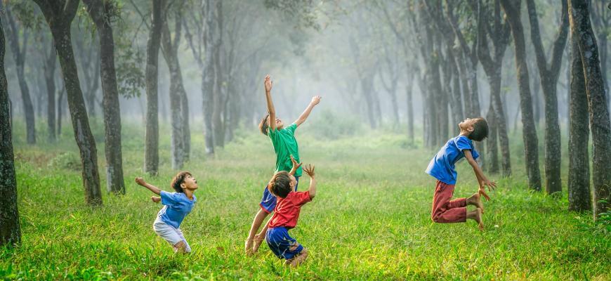 Названы лучшие страны для жизни детей. Россия отстаёт