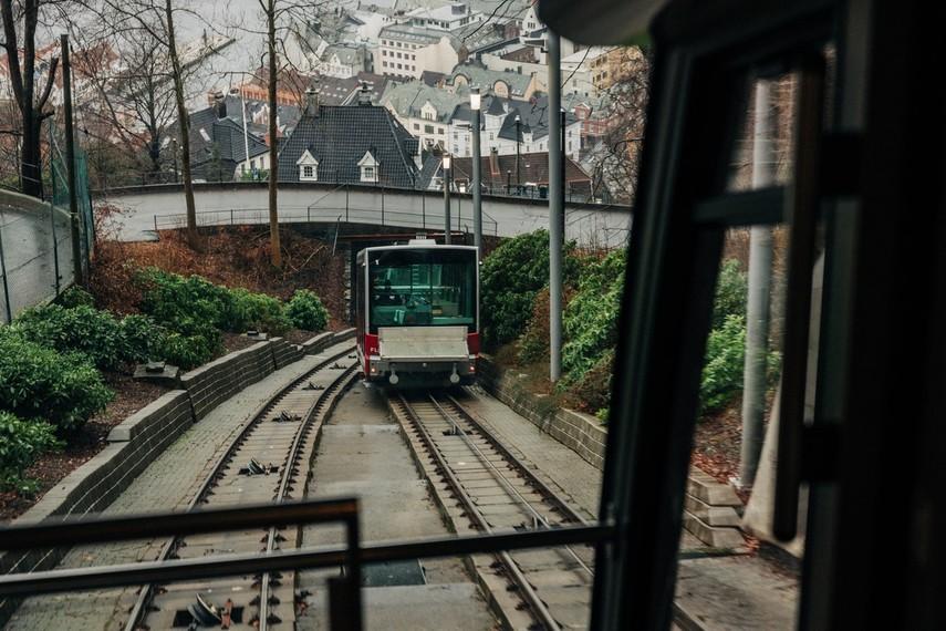 Бездомный полностью остановил движение поездов через Брюссель