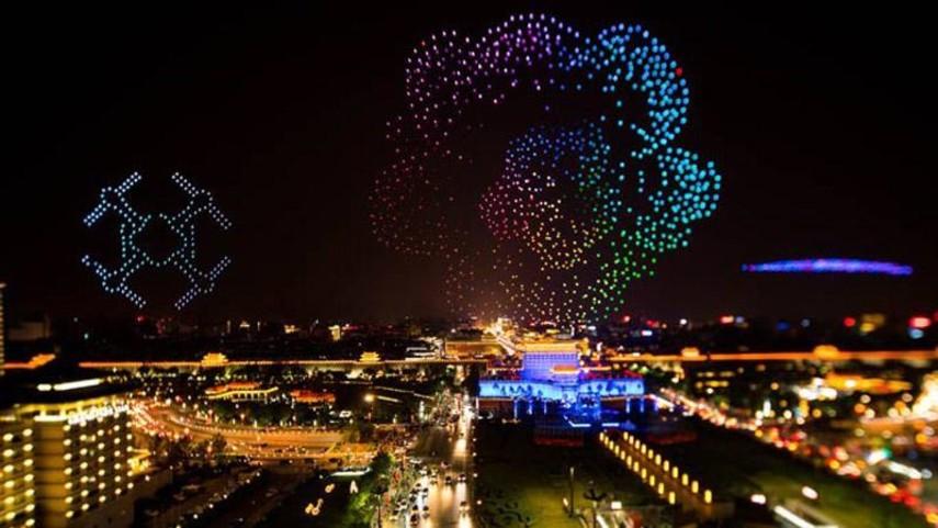Сотни дронов устроили фантастическое световое шоу в Китае (Видео)