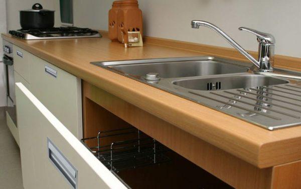 Качественные столешницы для кухни из ДСП